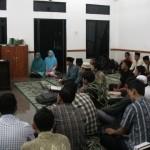 Lurah Rajabasa, Srimulyani memberikan Sambutan dalam Acara Peringatan Tahun baru islam