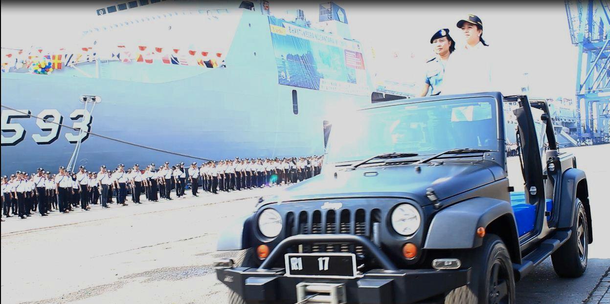 Puan Maharani Lepas Gugus Tugas Sail Tomini 2015 (ldii newtork news)