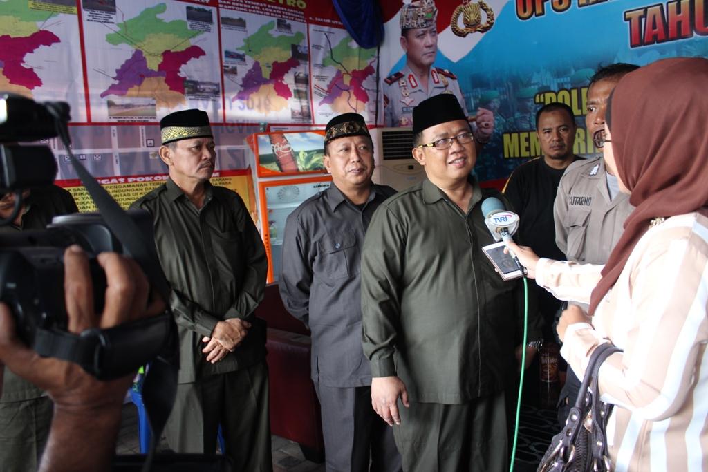 Ketua DPW LDII Provinsi Lampung Memimpin Pembagian Bingkisan Posko Mudik