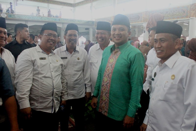 Ketua DPW LDII dr. Aditya, bersama Gubernur Lampung dan Kakanwil Kemenag.