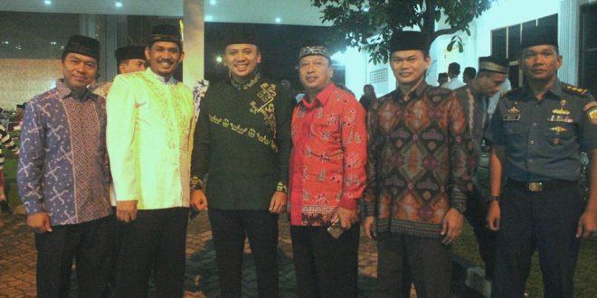 Foto bersama pengurus LDII dengan Gubernur Lampung